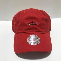 CHICAGO BULLS RED MITCHELL & NESS SOFT/DAD  HAT NEW & OFFICI